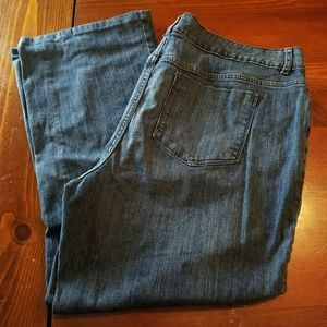 Mossimo Dark Boot cut Jeans (short)